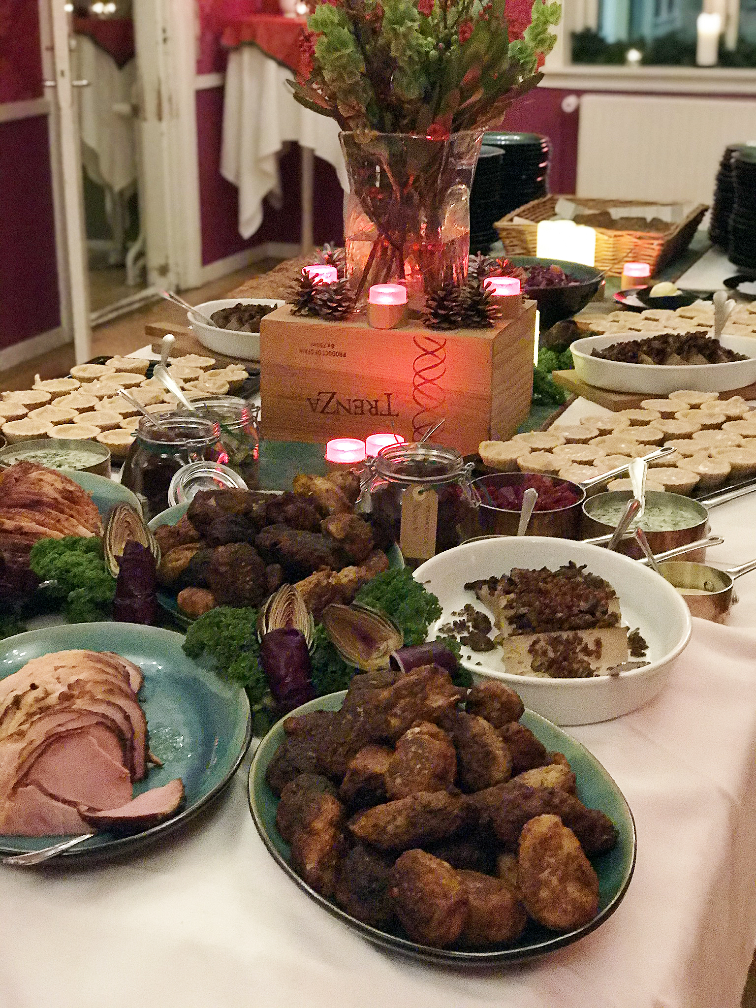 tag-selv-bord-julefrokost